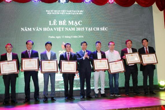 Lễ bế mạc Năm văn hóa Việt Nam 2015 tại Séc