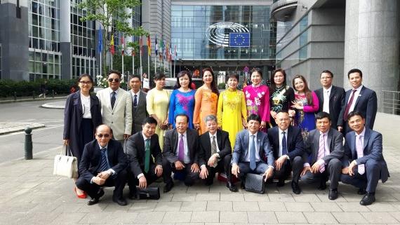 Hội người Việt Nam tại Séc thăm Nghị viện châu Âu (22.06.2016)